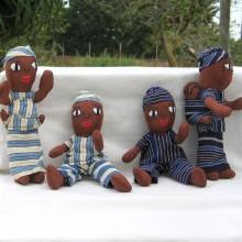 Familia africana de muñecos