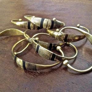 Pulseras tuareg doradas anchas