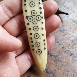 Amuleto de hueso etíope