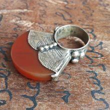 Gran anillo tuareg agata