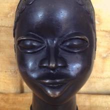 Cabeza bronce IV