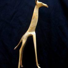 Jirafa bronce pequeña