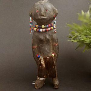 Muñeca madera Turkana. Kenia